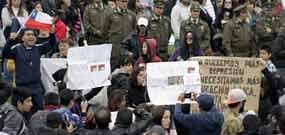 Protestam contra excessiva despesa militar no Chile