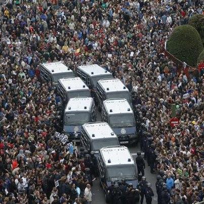 Démocratie Réelle Maintenant ! Paris  – «Ils nous ont appelé les indignés» : Compte-rendu du 25/09 et nouveau nom