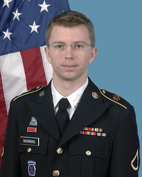 """Bradley Manning, acusado de filtrar informação a Wikileaks, declara que pensou que """"morreria enquanto estava detido"""""""