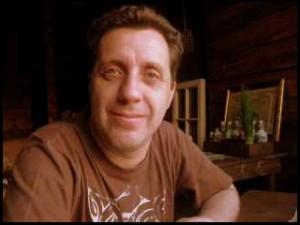 Premeditado robo a la casa de Mauricio Weibel, autor de una delicada investigación sobre la dictadura