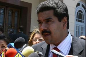 Manifestação convocada por Maduro marca início do novo mandato de Chávez