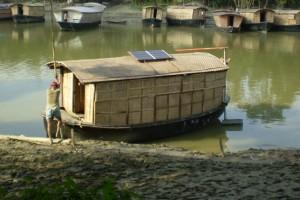 Inspirador proyecto construye casas y escuelas flotantes en Bangladesh