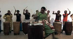 Ingoma Nshya, tambores que curan mujeres en Ruanda