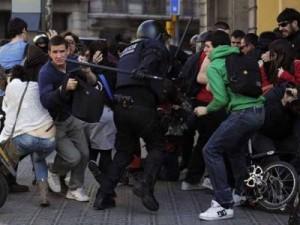 Cinq jeunes arrêtés pendant une manifestation à Barcelone