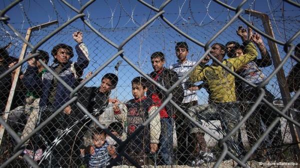 La Commissione Europea finanzia la politica greca contro gli immigrati