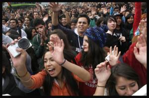 Estudantes chilenos pedem estatização do cobre para garantir ensino público