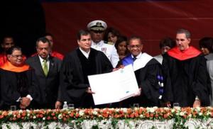 Universidad Autónoma de Santo Domingo reconoce la inversión económica con rostro humano del gobierno de Rafael Correa