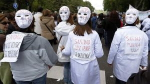 Masiva protesta en Madrid contra privatización sanitaria