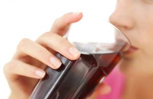 Refrigerantes aumentam o risco de pedras nos rins