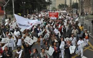 Por falta de proposta, servidores estaduais da Saúde mantêm greve em São Paulo