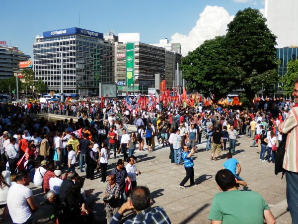 Testimonianza da Ankara: la ragione principale della rivolta è il desiderio di libertà e di una vera democrazia
