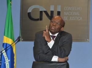 Brasil: Presidente do Supremo critica partidos e defende participação popular direta