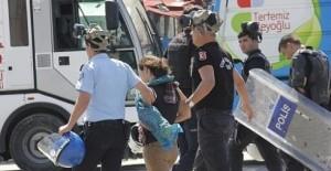 Turchia, arresti per i tweet solidali