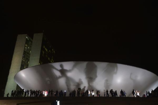 Mais de 200 mil em dezenas de cidades protestam por direitos em todo o Brasil