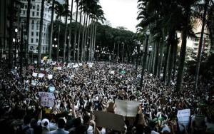 Protestam continuam pelo Brasil em várias cidades e oito reduzem tarifas
