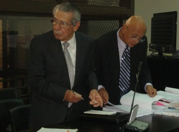 Víctimas dudan en volver a declarar en nuevo juicio a Ríos Montt