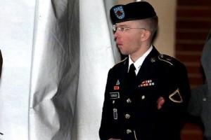 E' iniziato il processo a Bradley Manning, che passò a Wikileaks 700.000 documenti riservati