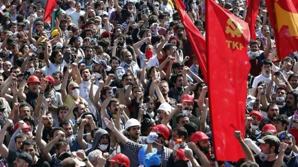 Quello che i mass media non ci dicono sulle rivolte in Turchia