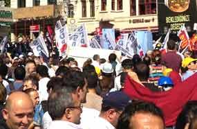 Repressão e detenções durante protestos na cidade turca de Istambul