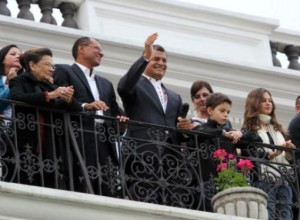 A dos meses de su reelección Correa alcanza un 84% de popularidad