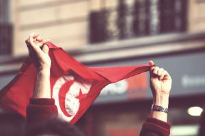 Protestas en Túnez se reanudan tras el asesinato de líder opositor