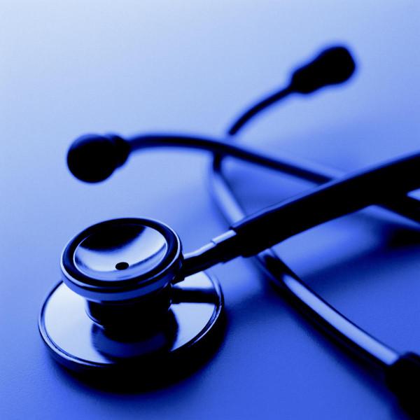 Maltratar a los médicos no es meritocracia ni inclusión social