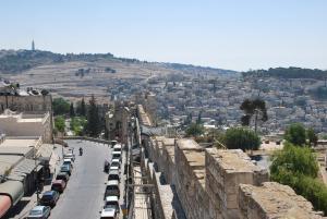 Israel aprova libertação de 104 palestinos para dar início a negociações de paz