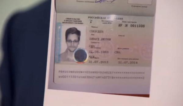 Snowden sai de aeroporto moscovita e entra em território russo