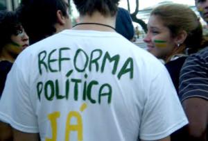 Brasileiros querem reforma política, diz pesquisa encomendada pela OAB