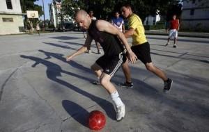 Cuban Athletes Score against Violence