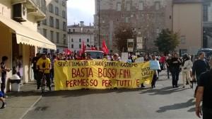Brescia: quasi 2.000 persone hanno manifestato contro il reato di clandestinità, contro gli sfratti e non solo