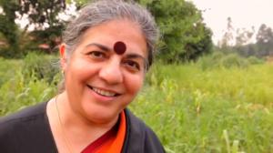 Científica india denuncia el trabajo de las empresas transgénicas