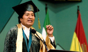 Evo Morales receives award from the Faculty of Journalism and Communications at the University of La Plata, Argentina