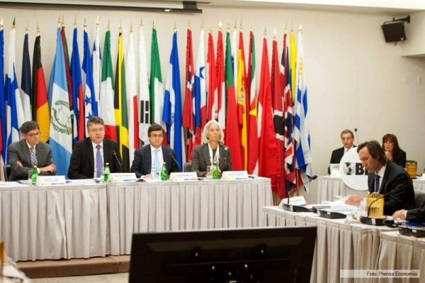 Inter American Development Bank (IADB), Argentina and vulture funds