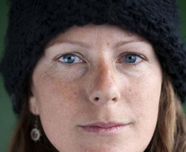 Ativista brasileira do Greenpeace é libertada na Rússia