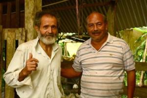 Campesinos colombianos buscan arqueólogos