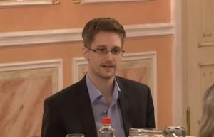 """Piden clemencia para Snowden por su """"gran servicio al país"""""""