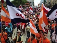 Maestros rechazan la propuesta del Gobierno y continúan la huelga