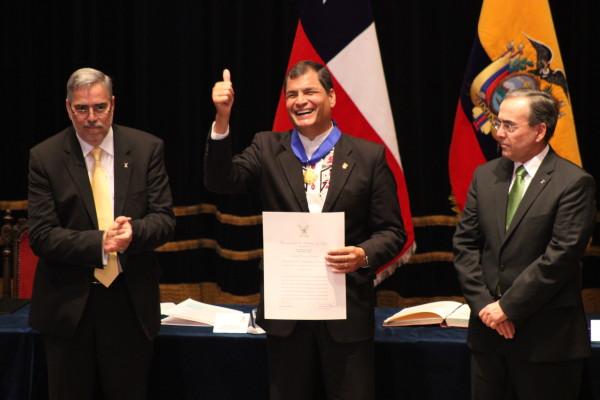 Chile: Rafael Correa recibe Doctorado Honoris Causa en la USACH