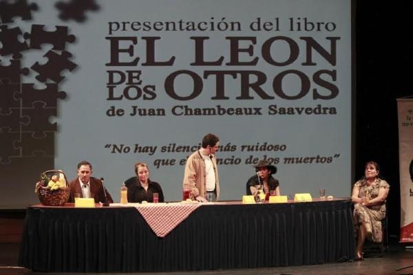 presentación libro El León de los otros