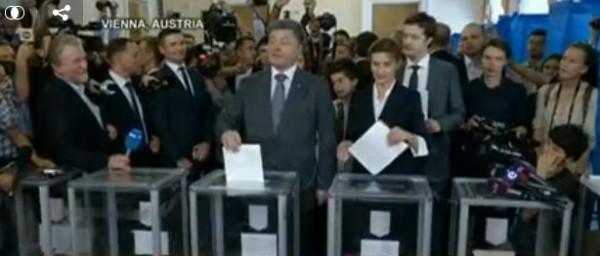 Will Election Unite Ukraine? Dozens Killed in Airport Battle as President-Elect Vows Russia Talks