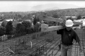 """""""Regional y Popular"""" en el Día del Trabajador: Derechos amenazados"""