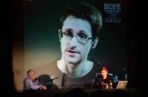 Grazia presidenziale per Snowden: appello al presidente Obama