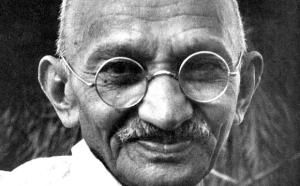 """Gandhi testimone della Campagna """"Un'altra difesa è possibile"""""""