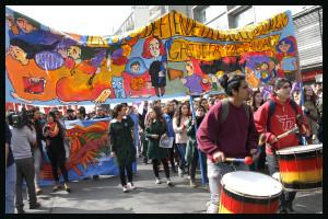 Calidad en la educación, concepto que en Chile va y viene en lienzos, titulares y programas
