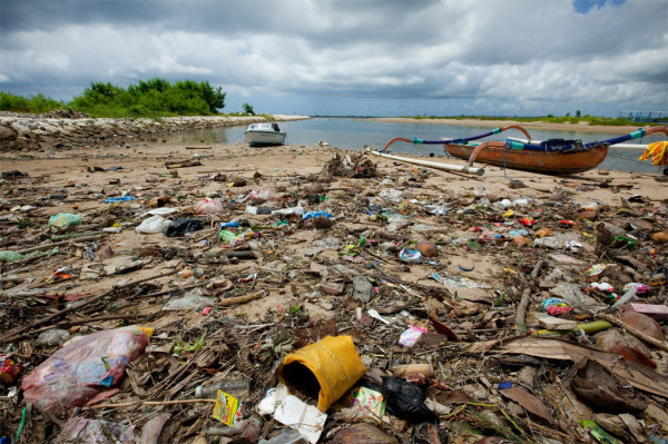 Five Garbage Patches Occupy 15, 915, 933 Square Kilometers of Ocean