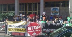Stop Desahucios pide el empadronamiento de ocupados en pisos de bancos para poder tener agua y luz