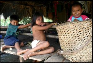 Los niños olvidados de la guerra en Colombia