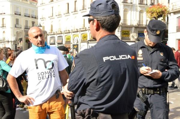 al final, aparecen más policías que manifestantes casi