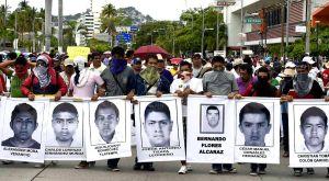México: Crece el apoyo para encontrar a los estudiantes desaparecidos